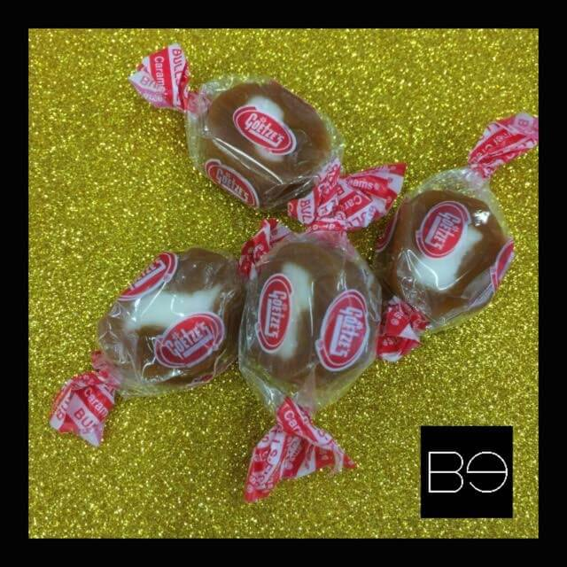 grupose de caramelos rellenos de crema en empaque rojo y transparente