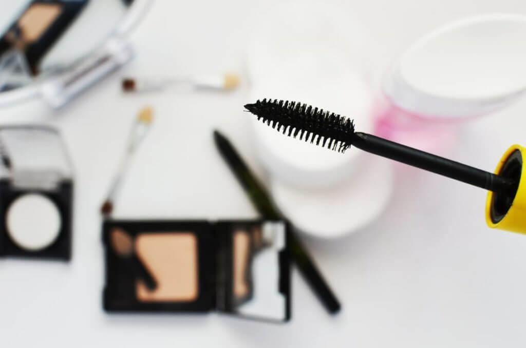 productos de maquillaje para ilustrar cuándo expira el maquillaje